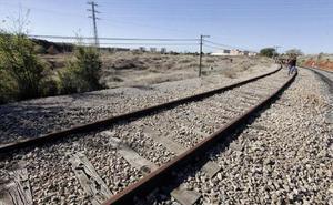 Adif licita por 4,2 millones el suministro de balasto para el tramo Navalmoral-Casatejada del AVE extremeño