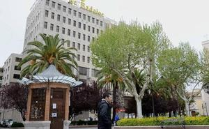El Paseo de San Francisco acogerá la nueva sede institucional de Cajalmendralejo en Badajoz