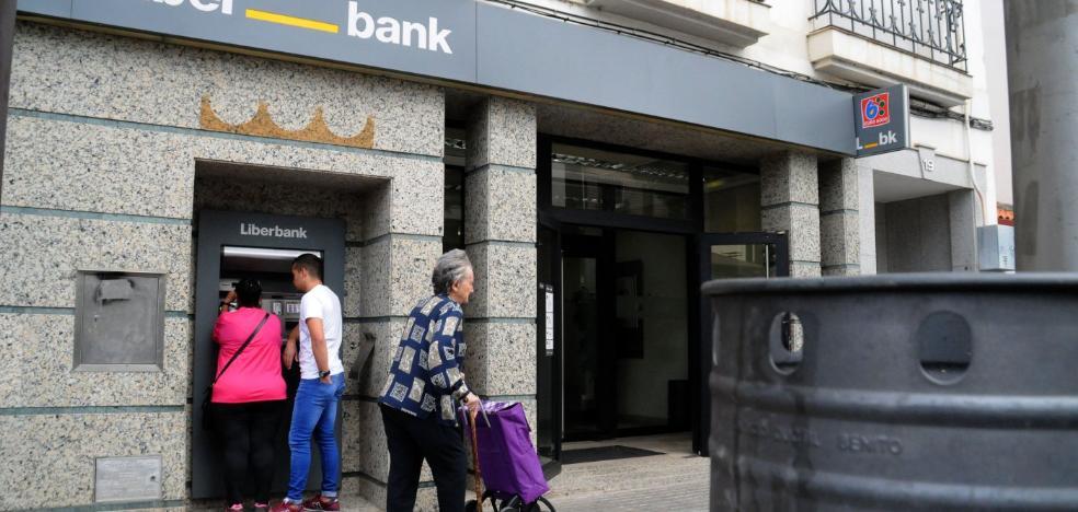 Los sindicatos esperan que la fusión de Liberbank y Unicaja no genere despidos masivos