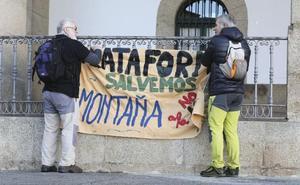 PP y PSOE llevarán en sus programas electorales el no a la mina de litio en Cáceres