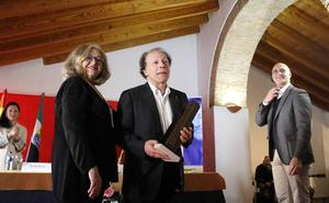 Javier Marías recoge el XIII Premio Dulce Chacón de Narrativa Española en Zafra