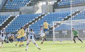 El Badajoz saca su garra para tumbar al líder