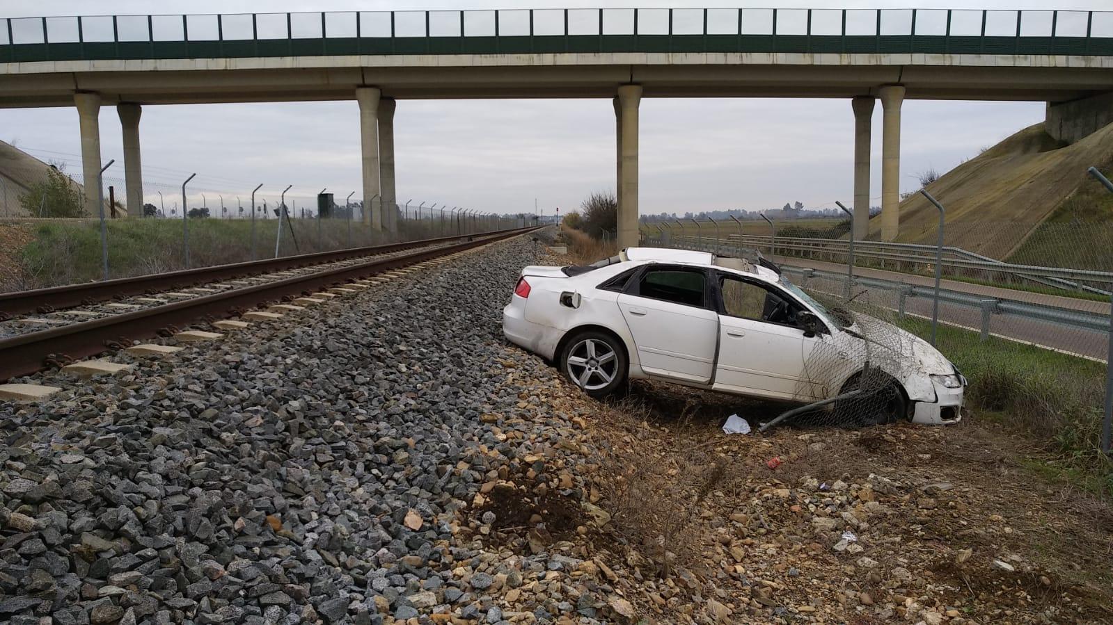 Herido leve un conductor al salirse de la vía cerca de Novelda