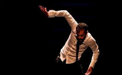 Daniel Abreu protagoniza 'Perro' en el Gran Teatro de Cáceres