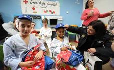 Los niños que están en el hospital de Mérida reciben juguetes