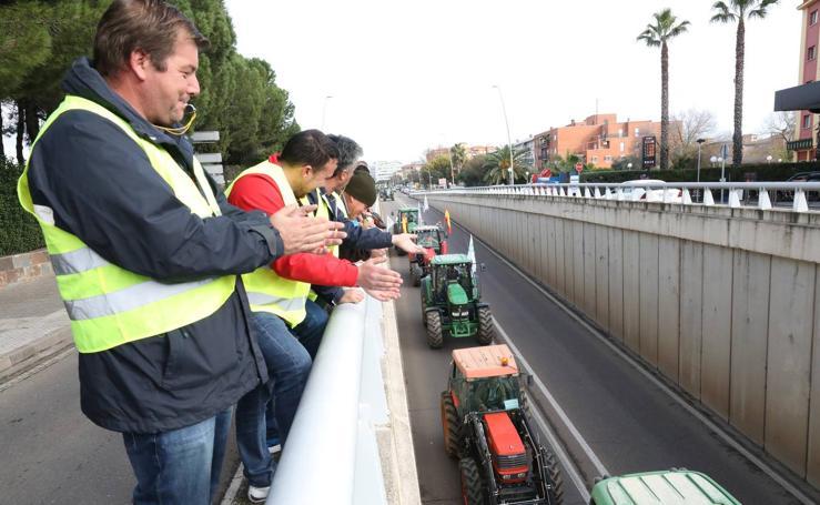 Tractores «sin rumbo» en una protesta que termina pidiendo dimisión de G.Seco