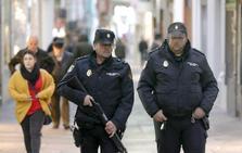 Agentes de paisano refuerzan la vigilancia en zonas de compras de Cáceres