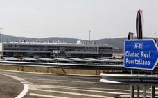 Extremadura se interesa por el aeropuerto de Ciudad Real para exportar sus productos
