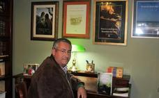 Francisco Lambea dedica a su madre su último poemario