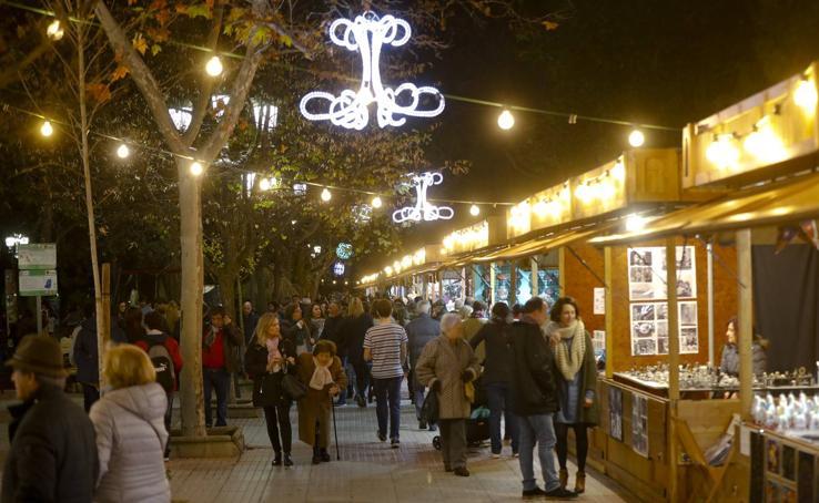 Mercadillo navideño en Cánovas