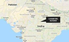 Una mujer da a luz mientras se ahorcaba en India