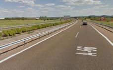 Fomento formaliza por 9 millones el contrato para mejorar carreteras de Badajoz