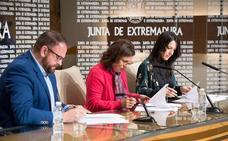 La Junta y el Ayuntamiento de Mérida firman el acuerdo para el traspaso «histórico» del conservatorio