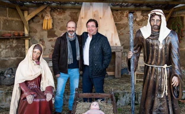 Vara ensalza el trabajo de los vecinos que instalan 'La Nacencia' de Villar de Rena