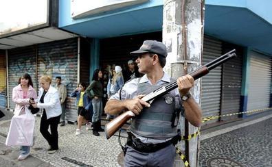 Una persecución por el robo de un móvil acaba con cuatro muertos en Río de Janeiro