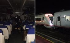 El tren Badajoz-Madrid se avería en mitad del campo y deja a 160 pasajeros sin luz ni calefacción