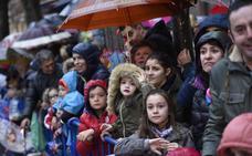 Cruz Roja recomienda que los niños lleven un teléfono apuntado durante la cabalgata