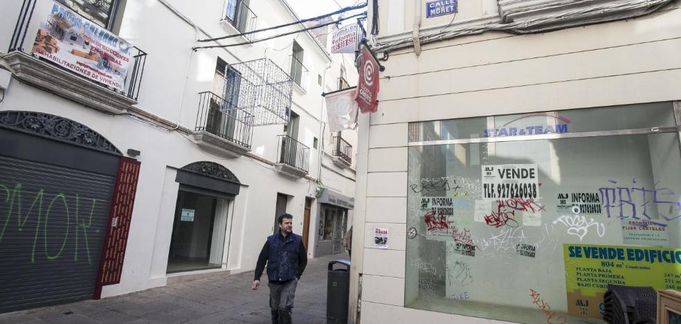 Colectivos vecinales alertan del riesgo de gentrificación del centro histórico de Cáceres