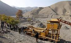 Al menos 30 muertos en Afganistán por el derrumbe de una mina de oro