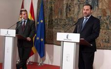 Ábalos dice en Toledo que la línea ferroviaria a Extremadura es prioritaria