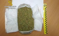 Detenido en la A-66 con medio kilo de marihuana