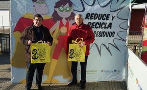 Llega al municipio la campaña para fomentar el uso de bolsas reutilizables
