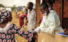 El primer bebé de una paciente curada del ébola nace sano en el Congo