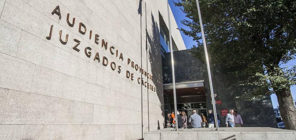 Absueltos los tres chicos acusados de abusar de otra menor en el barrio cacereño de Mejostilla