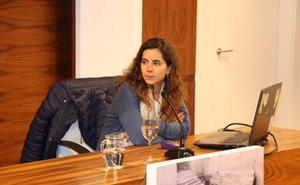 La arqueóloga Esther Rodríguez ahonda en el pasado tartésico de la zona