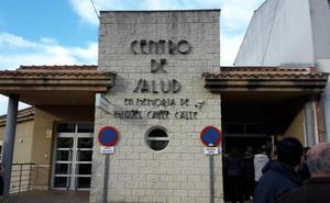 Casas de Castañar homenajea al enfermero Miguel Calle poniendo su nombre al centro de salud
