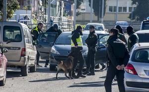 La redada de La Picuriña se salda con 4,7 kilos de marihuana intervenida