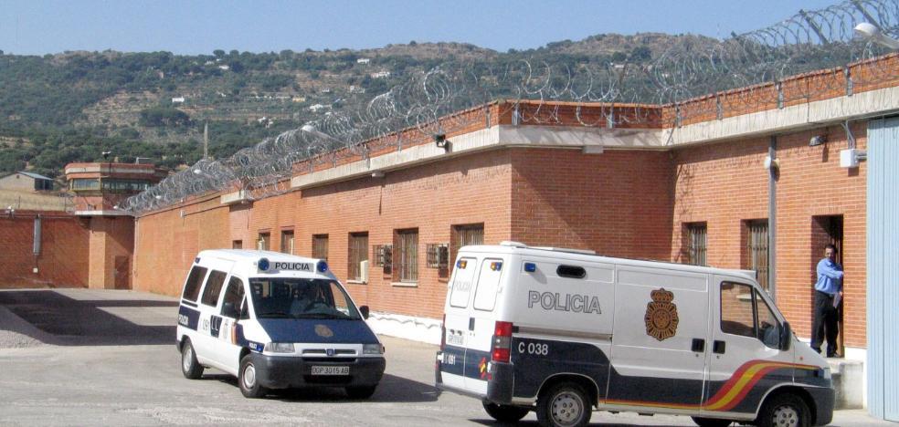 Las cárceles extremeñas albergan a casi 250 presos más de los que deberían