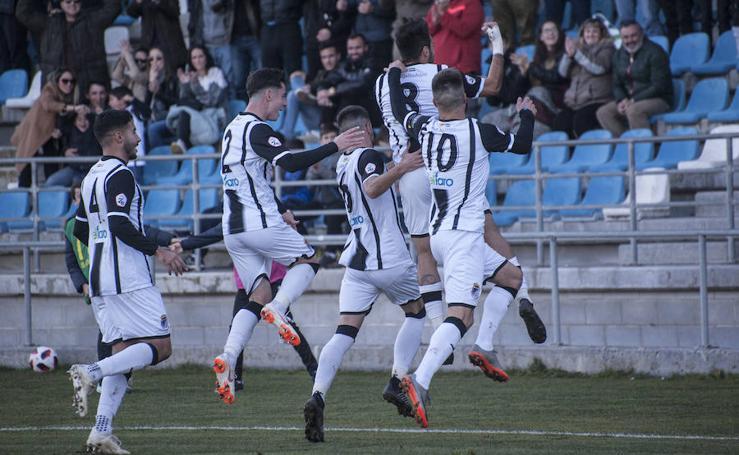 El Badajoz se lleva el derbi ante el Villanovense