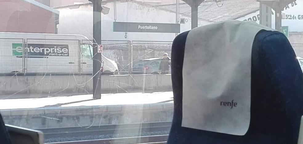 El tren Puertollano-Badajoz se retrasa por la avería de una locomotora