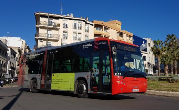 Baja en un 4,2% el número de viajeros del transporte urbano en el último año en la región