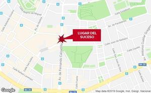 Herido un trabajador al caer desde una escalera en Badajoz