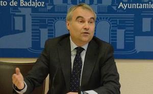 Fragoso se indigna con las cuentas de Pedro Sánchez