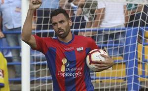 Enric Gallego ya es leyenda del Extremadura
