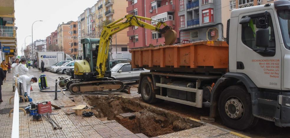 Un nuevo reventón deja sin suministro de agua a vecinos de Ricardo Carapeto