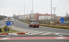 Todos los grupos políticos cacereños reclaman a Adif el vial a La Cañada