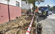 Comienzan las obras de mejora de las aceras de Suerte de Saavedra en Badajoz