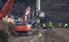 Roca muy dura ralentiza la perforación con un avance de un metro en toda la mañana