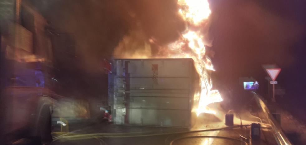 Fallece el conductor de un camión al salirse de la autovía A-5 a la altura de Almaraz