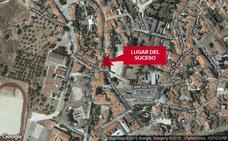 Una mujer de 74 años resulta afectada en el incendio de una vivienda en Valencia de Alcántara