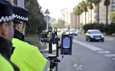 La Diputación de Badajoz compra tres radares fijos y catorce móviles para los pueblos