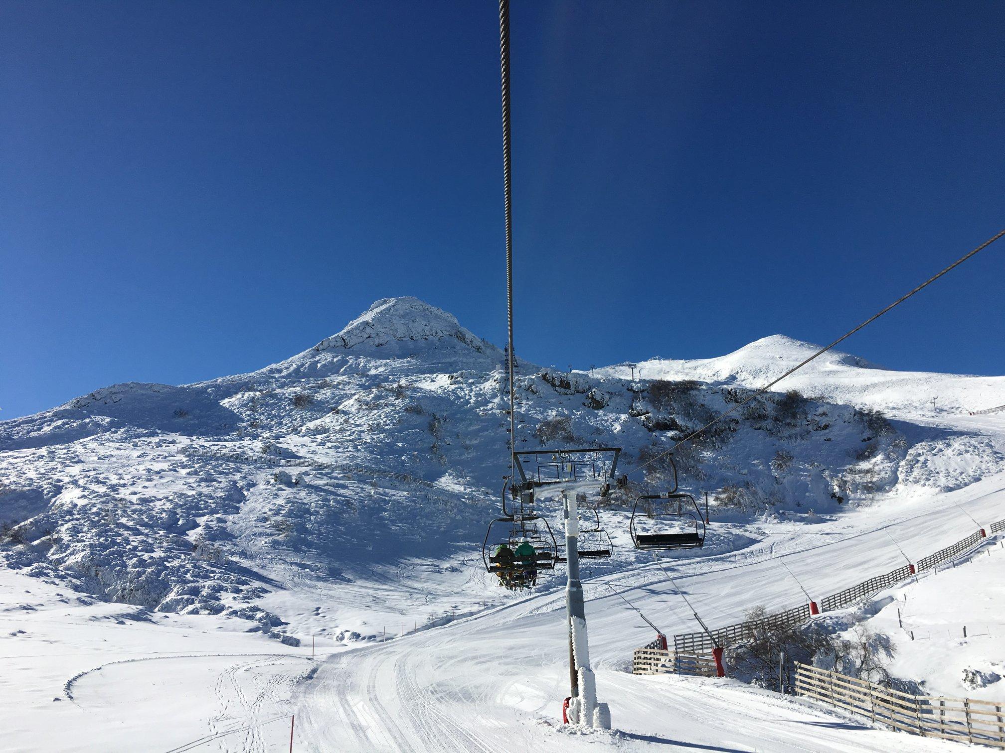 La nieve también llega a Asturias