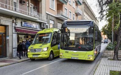 Un microbús conectará Campomanes, la Atalaya y la Dehesilla con el centro de Badajoz