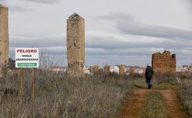 El Ayuntamiento de Cáceres encarga a la Policía un informe sobre pozos sin sellar en Las Minas