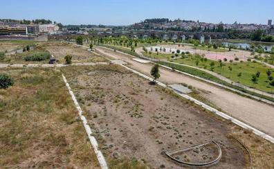 La piscina de la margen derecha de Badajoz se adjudicará la próxima semana