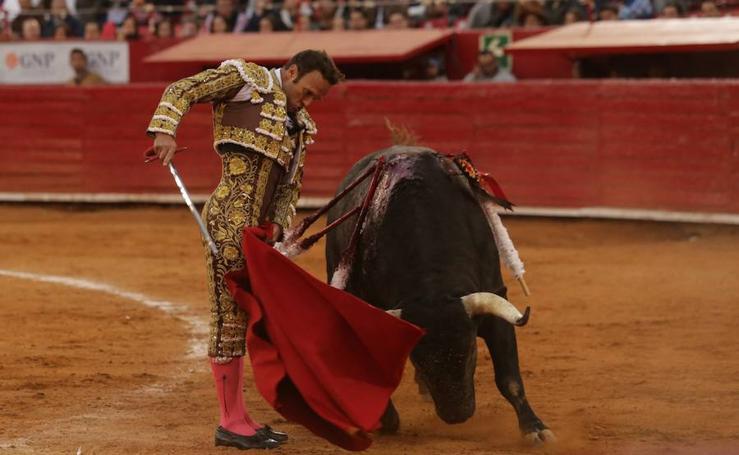 Antonio Ferrera vuelve a abrir la puerta grande en la México